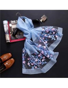 Foulard avec des fleurs en soie et coton